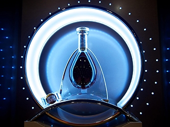 merchandising . pernod ricard . cognac martell